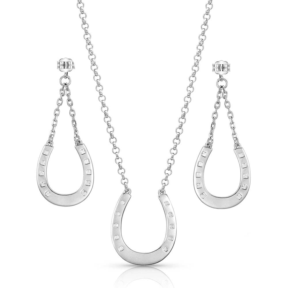 At The Center Of It All Horseshoe Jewelry Set