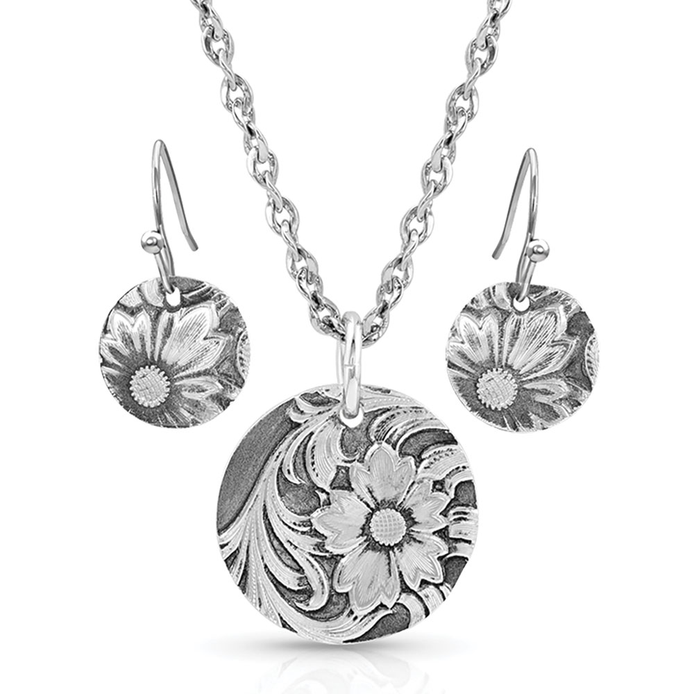 Art of the Buckle Jewelry Set