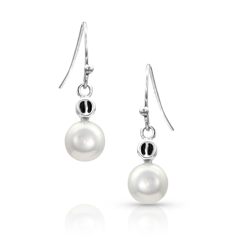 Pursue the Wild Dew Drop Discovery Pearl Earrings