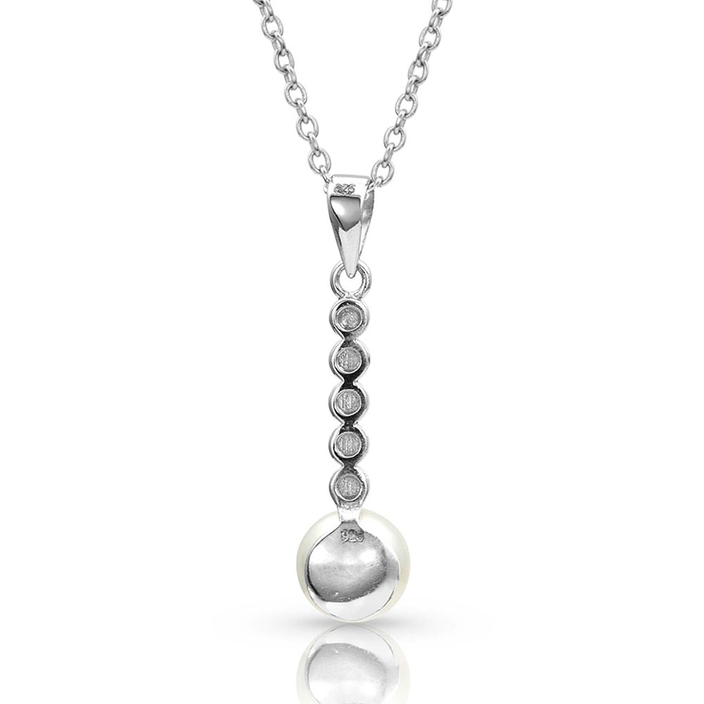 Pursue the Wild Crossing Paths Pearl Necklace