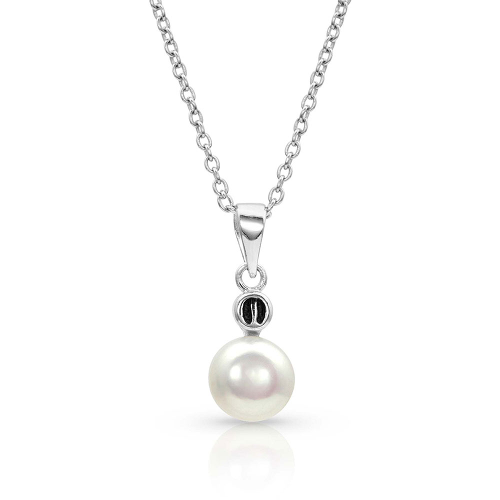 Pursue the Wild Dew Drop Discovery Pearl Necklace